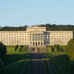 Irlanda de Nord, în instabilitate politică după demisia vicepremierului: Par foarte probabile alegerile legislative anticipate