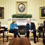 Donald Trump o avertizează pe Angela Merkel: Avem un deficit comercial masiv cu Germania, iar ei plătesc foarte puțin în cadrul NATO. Asta se va schimba