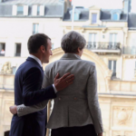 Summit franco-britanic: Emmanuel Macron încearcă să o convingă pe Theresa May să se implice în crearea unei forțe de intervenție europeană