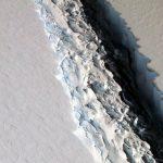 Urmări ale încălzirii globale. Cel mai mare aisberg din lume se desprinde de Antarctica