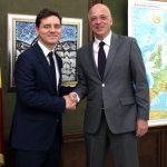Ministrul Victor Negrescu, întâlnire cu ambasadorul Germaniei la București: România dorește să facă parte din nucleul dur al UE și se bazează pe sprijinul Germaniei pentru atingerea acestui obiectiv