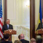 """De la Kiev, secretarul de stat american Rex Tillerson cere Rusiei """"să facă primul pas în favoarea  dezescaladării situației din estul Ucrainei"""""""