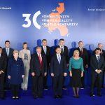 """România va găzdui în anul 2018 Summitul """"Inițiativei celor Trei Mări"""". Liderii țărilor prezente la Varșovia au acceptat propunerea lui Klaus Iohannis"""
