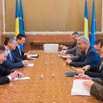 Premierul Mihai Tudose a discutat cu ambasadorul Chinei despre construcția unui pod suspendat peste Dunăre și a unei autostrăzi București-Sofia
