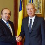 Ministrul Justiţiei, Tudorel Toader, s-a întâlnit cu ambasadorul SUA la Bucureşti, Hans Klemm. Lupta împotriva corupției, pe agenda discuțiilor