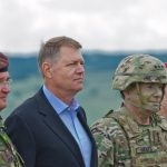Comandantul Forțelor Terestre ale SUA în Europa, decorat de președintele Klaus Iohannis pentru rolul său în consolidarea securității României