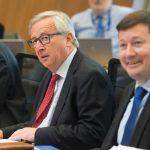 Politico Europe: Jean-Claude Juncker amenință cu plecarea de la șefia Comisiei Europene dacă Martin Selmayr va fi forțat să demisioneze