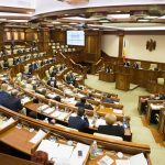 Parlamentul de la Chișinău condamnă amestecul Rusiei în activitatea politică a Republicii Moldova