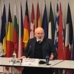 """""""Nu există stat în Uniunea Europeană în care să nu avem corupție"""" – Cum a justificat Frans Timmermans la București faptul că UE nu mai monitorizează corupția din fiecare stat membru"""