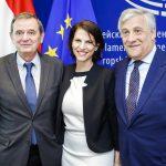 Președintele Parlamentului European și președinția Austriei la Consiliul UE au semnat noile reguli europene privind siguranța aeriană, negociate de eurodeputatul Marian-Jean Marinescu (PNL, PPE)