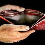 Sondaj: Peste 50% dintre români se confruntă cu probleme financiare şi cu un nivel scăzut de trai