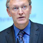 Comisarul european pentru Mediu: UE nu va intezice fracturarea hidraulică pentru exploatarea gazelor de şist