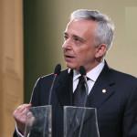 Mugur Isarescu catre politicieni: Incetati cu scandalul politic, gasiti solutii economice, atrageti bani europeni