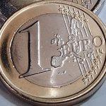 Economia zonei euro dă semne de redresare