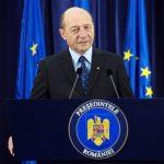 Ce ii transmite președintele Băsescu Papei Francisc