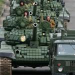 Rusia efectuează manevre militare în centrul ţării