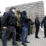 Un comisariat de poliţie din estul Ucrainei a fost ocupat de militanţi proruşi. Ministrul de Interne: Nu vom avea toleranţă pentru terorişti