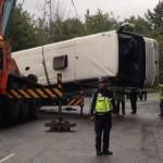 ACCIDENT grav în Bulgaria: Un român a murit, iar cinci sunt răniţi grav după ce un autocar a căzut într-o râpă. Două elicoptere SMURD vor decola spre Bulgaria pentru a prelua doi răniţi