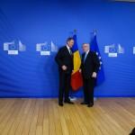 Klaus Iohannis şi șeful Comisiei Europene, convorbire telefonică pe tema imigranţilor