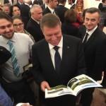 VIDEO CORESPONDENȚĂ de la Berlin: Ce le-a promis Iohannis românilor din Germania şi ce le-a spus că vrea să facă în ţară pentru a-i aduce acasă