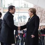 Tsipras și Merkel, de acord ca Atena să-și prezinte propunerile la summitul de marți al zonei euro