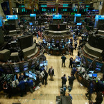 LUNEA NEAGRĂ pe piețele financiare globale. Bursa de la Shanghai, cea mai drastică prăbușire. Cu cât a închis Bursa de la București
