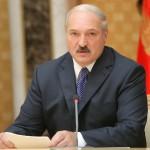 Aleksandr Lukaşenko respinge înfiinţarea unei baze aeriene ruse în Belarus