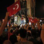 Starea de urgenţă, reinstituită la Istanbul. Forţele speciale au ordin să doboare orice elicopter care decolează fără permisiune