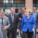 """Angela Merkel se pregătește să egaleze recordul """"Cancelarului Reunificării"""": Doamna de Fier a Germaniei candidează pentru un al patrulea mandat"""