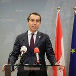 Cancelarul austriac vrea tăierea fondurilor UE pentru statele care refuză să primească refugiați: Solidaritatea selectivă ar trebui să ducă și la plăți selective