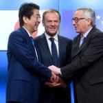 Donald Tusk și Jean-Claude Juncker, prezenți astăzi în Tokyo pentru a semna acordul de liber schimb UE-Japonia, probabil cel mai mare tratat  de acest fel negociat de Uniune