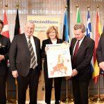 INTERVIU. Comisarul Corina Crețu: Din păcate, România nu a folosit șansa istorică pe care a avut-o privind absorbția fondurilor europene