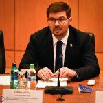 """Cosmin Necula, primarul Municipiului Bacău: Trebuie să depășim disensiunile care ne plasează, de o parte sau de alta a """"baricadei naționaliste"""" și să """"pregătim viitorul"""""""