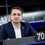 """Eurodeputatul Emilian Pavel (PSD, S&D) cere Comisiei Europene """"măsuri urgente și eficientă"""" după ce doi cetățeni români carelucrau fără forme legale în Germania au murit"""