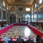 O delegație a Comisiei de la Veneția se află luni și marți la București pentru discuții pe tema modificarilor aduse legilor Justiției