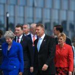 Presa britanică: Klaus Iohannis a participat la o cină de lucru, la sediul NATO, cu premierul Theresa May și premierii Belgiei și Olandei