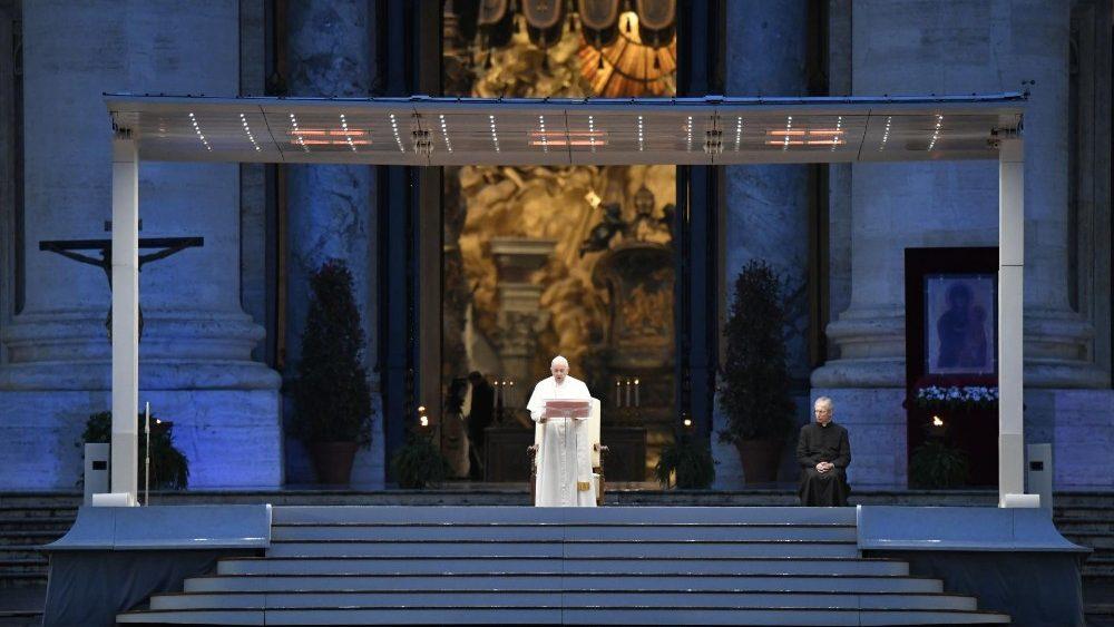Urbi et Orbi. Predică emoționantă a Papei Francisc într-o Piață Sf ...